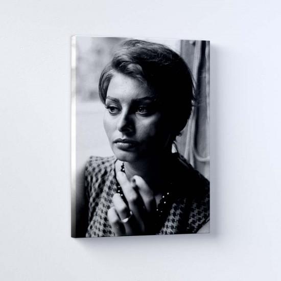 София Лорен в Ню Йорк 3 - Постер в рамка или канава с черно бяла снимка