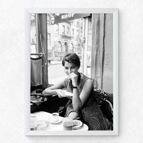 София Лорен в Манхатън, Ню Йорк 1 - Постер в рамка или канава с черно бяла снимка