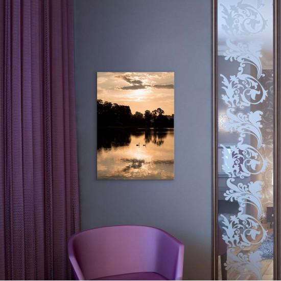 Пейзаж с двойка лебеди - Фото картина