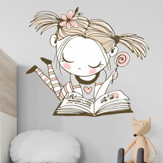 Емма с книжка - стикер