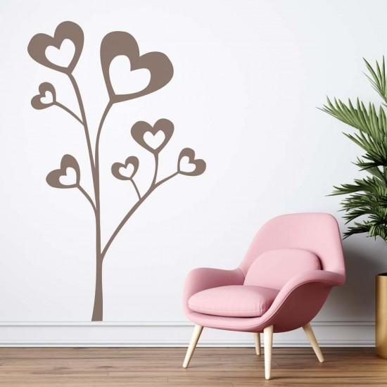Дърво със листа от сърца
