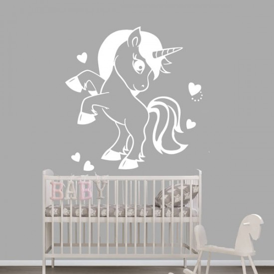 Бебе еднорог детски стикер за стена