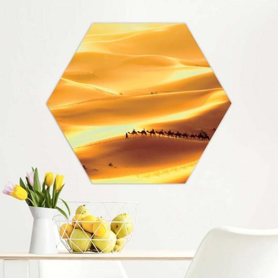 Керван в пустинята - Хексагон пано за декорация на стена