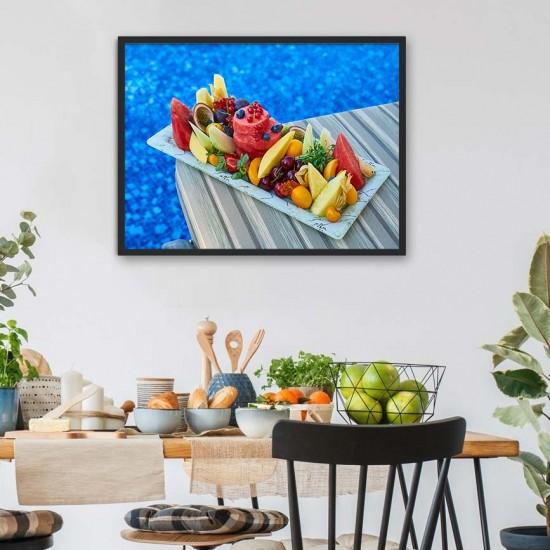 Плодова салата край басейна - Фото пано