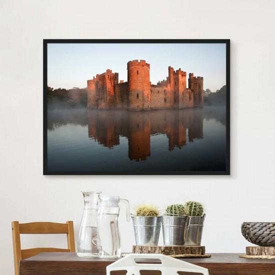Средновековен замък на езеро - Фото пано Англия, Картина